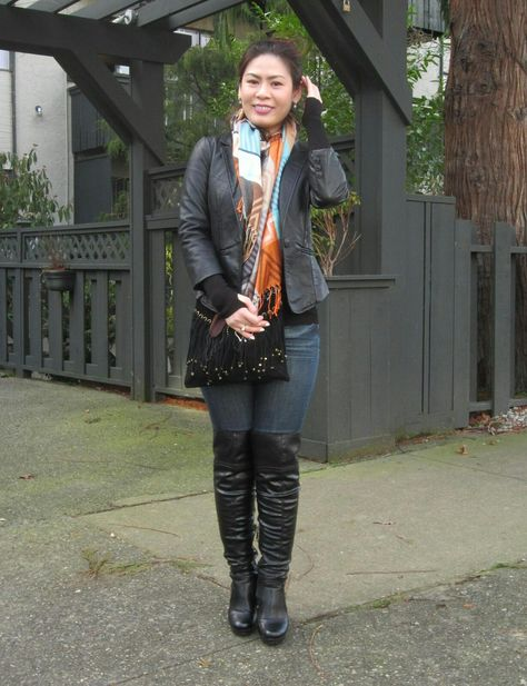Ysavé Chen models Guess Trivana over knee boots with jeans - küchen im retro stil