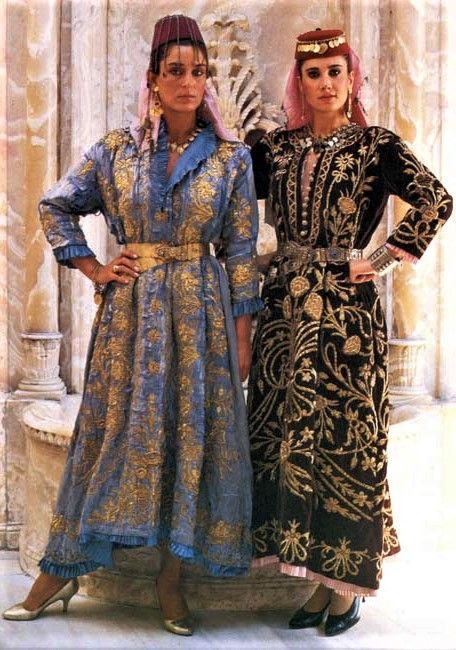 Two Traditional Festive Robes Bindalli Entari Worn At Weddings And Other Important Festivities Istanbul Ca Mid 20th Cen Kiyafet The Dress Moda Stilleri