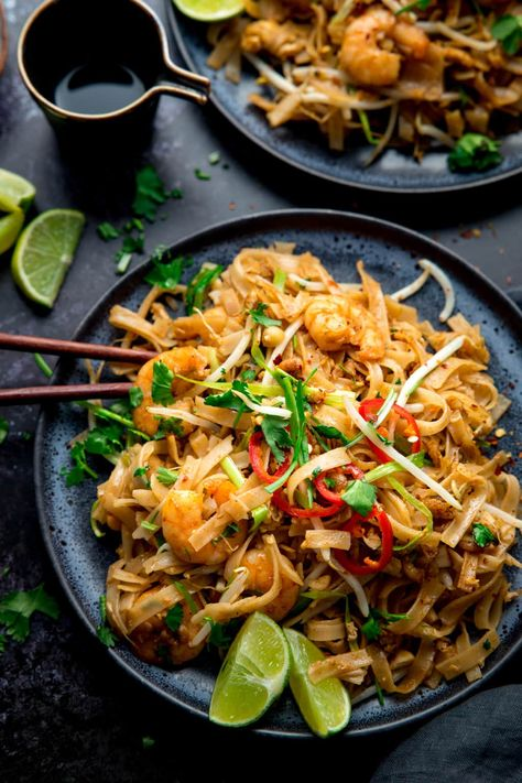 Sweet and savoury Pad Thai with ALL the toppings is way easier than it looks. A fantastic street food dish you can make at home in 30 minutes. #padthai #thaifood #streetfood #betterthantakeout #easydinner #asianfood #noodles #spicyfood