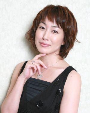 華やか大人スタイル 高島礼子さんの髪型をまとめてみました 髪型