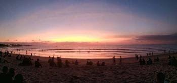 Terpopuler 30 Gambar Pemandangan Pantai Pagi Hari Suasana Pagi Dan Sore Hari Di Pantai Kuta Bali Kompasiana Com Downloa Di 2020 Pemandangan Pantai Matahari Terbenam