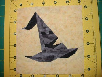 Making a Harry Potter Quilt Block using paper pieced  tutorial