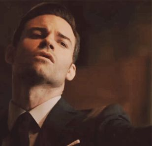In Elijah's Mind — Elijah Many Vampire faces
