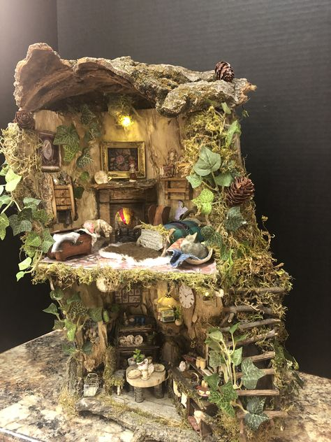 Order today, arrives before Christmas!Thankful Hollow,A special Fairyhouse from VisitingVintageLane. Miniature Crafts, Miniature Fairy Gardens, Miniature Houses, Fairy Crafts, Garden Crafts, Fairy Garden Houses, Clay Fairy House, Fairy Village, Gnome House