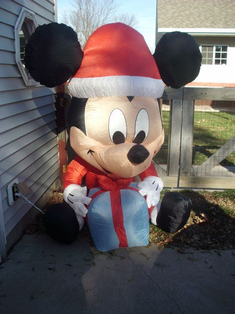 Disney Christmas Mickey Mouse Airblown Inflatable 6 ft, Lights Up
