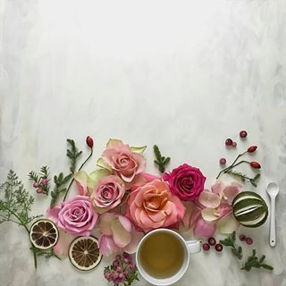 لرؤية التصميم على الخلفية يوجد في حساب Noory Vip 3 Noory Vip 3 Noory Vip 3 خامات خلفيات للتصميم مخطوطه Floral Wreath Instagram Instagram Posts