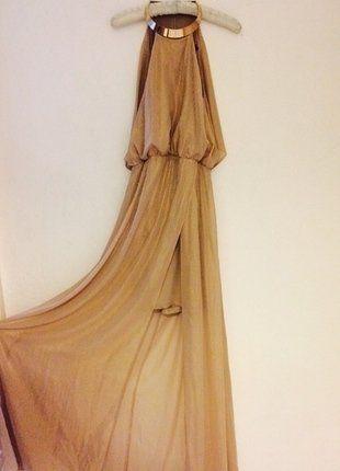 Robe longue blanche vide dressing