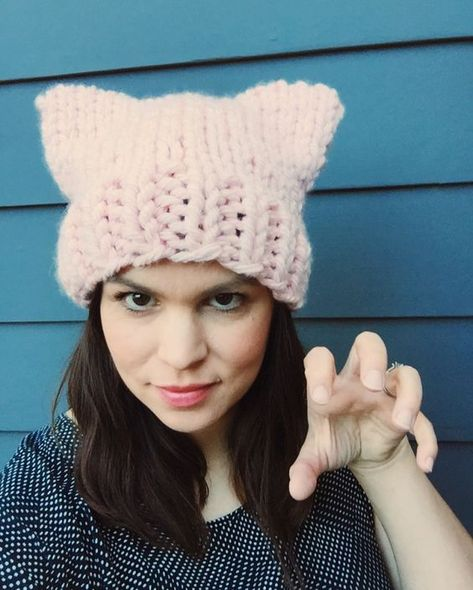 Free Knitting Pattern Jumbo Pussycat Hat Knitted Scarves Cowls
