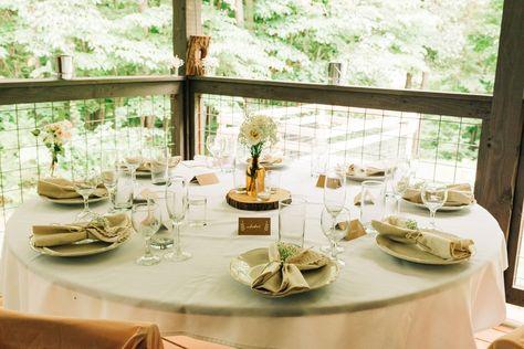 Intimate backyard wedding on Monroe Lake in Bloomington, Indiana   Mika LH Photography   Indiana, Indianapolis and Bloomington Wedding Photographer #indianabride #indianawedding #indianpoliswedding #outdoorwedding #rusticwedding #backyardwedding #intimatewedding #monroelake #bloomingtonwedding