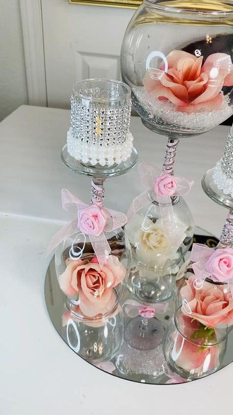 Fishbowl Centerpiece, Bling Centerpiece, Floating Candle Centerpieces, Diy Wedding Decorations, Floral Centerpieces, Balloon Decorations, Birthday Decorations, Wedding Centerpieces, Wine Glass Candle Holder