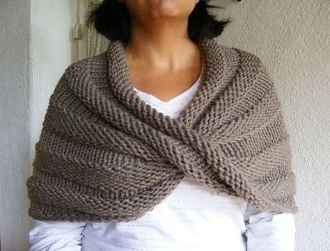 Twisted Capelet free pattern via Ravelry
