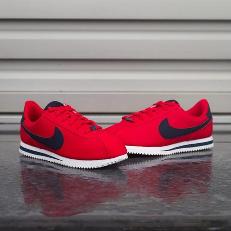 Nike Cortez Basic SL available in BUZZ