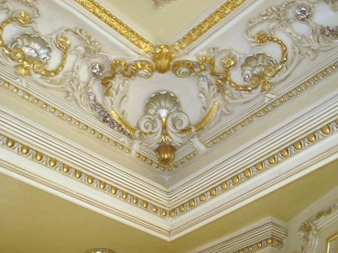 Crown Moulding Ceiling Design Luxurious Bedrooms Bedroom False