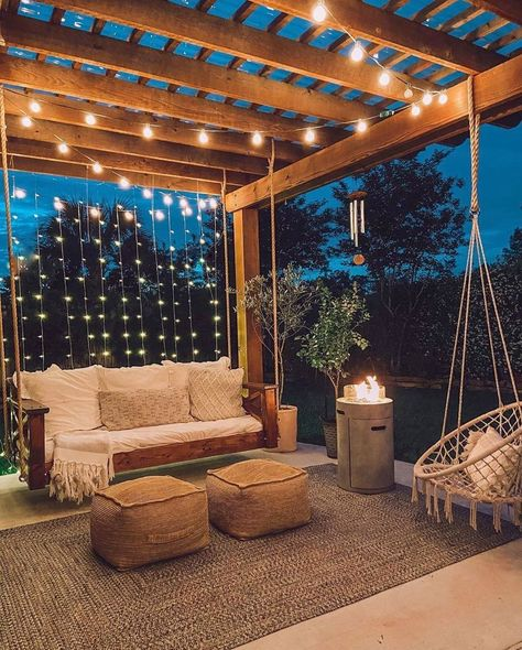 I chose this one for light because the hanging lights behind the seat and the lights crossing on the ceiling make the space into a comfortable outdoor space. Rooftop Design, Roof Terrace Design, Balkon Design, Backyard Patio Designs, Small Patio Design, Pergola Designs, Modern Patio Design, Small House Design, Modern Kitchen Design
