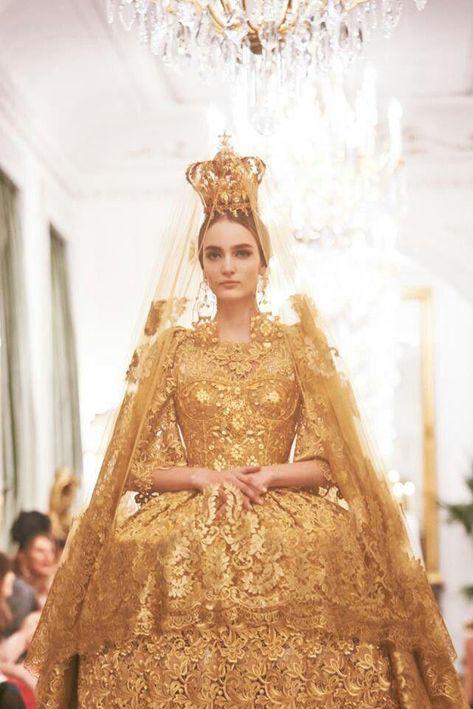 Golden Madonna / Dolce & Gabbana Alta Moda S/S 2013