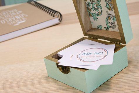 Nuestras tarjetas de visita. Preciosas y diseñadas por los amigos de e-eventus.  #tarjeta #eventusbarcelona #pantone #vintage #tipografia #conceptual #naïf #boda #bautizo #events #lifestyle #eventplanners #comunion #invitaciones #regalos #sweetbarcelona #mrandmrsweet