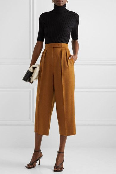 Max Mara - Cropped pleated camel hair wide-leg pants - - Source by ziovadeppy Max Mara, Work Fashion, Fashion Outfits, Fashion Mask, 70s Fashion, Vintage Fashion, Pantalon Large, Pants For Women, Clothes For Women