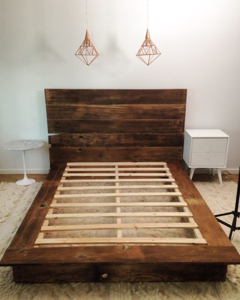 Mr Kate DIY Reclaimed Wood Platform Bed from Reclaimed Wood Bed Frame PlansReclaimed Wood Bed Frame Plans - Many people Wooden Platform Bed, Platform Bed With Storage, Bed Platform, Diy Platform Bed Plans, Diy Platform Bed Frame, Diy Bedframe With Storage, Diy Bed Headboard, Platform Bedroom, Unique Bed Frames