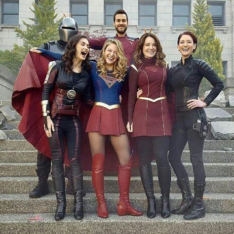 """Supergirl é uma série de televisão americana desenvolvida por Greg Berlanti, Andrew Kreisberg e Ali Adler, que também são produtores executivos com Sarah Schechter. Após viver por anos como uma pessoa normal, alguns acontecimentos forçam Kara a se revelar para o mundo, adotando o alter-ego """"Supergirl"""". #Supergirl #dc #Krypton #KaraDanvers #cw #series #seriedetv #kara #superman #superhomem"""