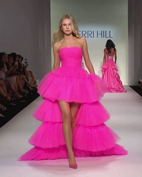 Sherri Hill Look 21. Spring Summer 2020 Collection