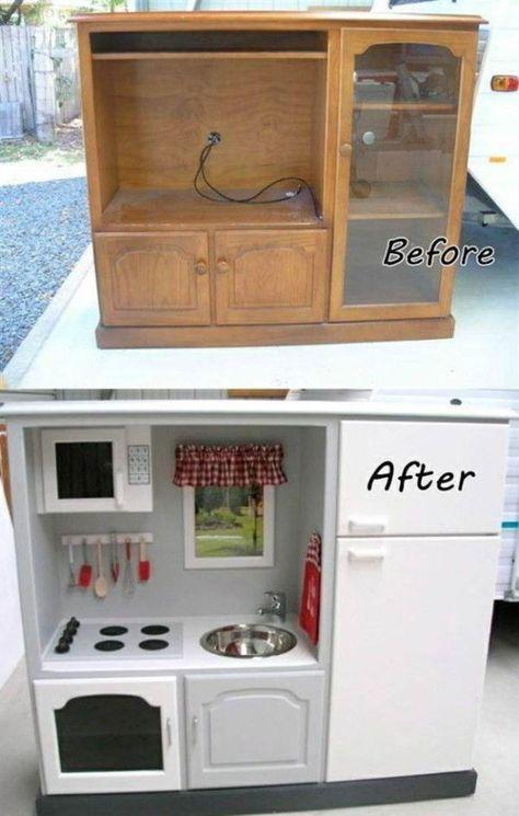 Recyclez un vieux meuble télé en la cuisine de jeu rêvée pour votre enfant. 70 idées géniales que tous les parents devraient connaître