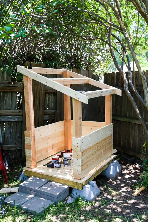 How to build an adorable backyard playhouse for your toddler or child. It's affordable, easy, and such a fun addition to your backyard! outdoor playhouse DIY Playhouse: How to Build a Backyard Playhouse for Your Toddler Backyard Fort, Backyard Playset, Backyard Playhouse, Backyard For Kids, Backyard Landscaping, Simple Playhouse, Pallet Playhouse, Build A Playhouse, Childs Playhouse
