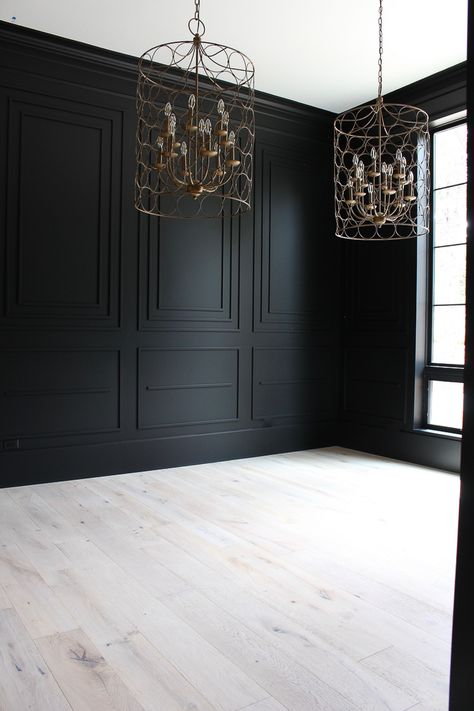The House of Silver Lining: Our Bold Black Dining Room Reveal, Styled For Christ. - The House of Silver Lining: Our Bold Black Dining Room Reveal, Styled For Christmas Black Rooms, Black Walls, Black Room Decor, Black Dining Rooms, Black Bedroom Walls, Modern Dining Rooms, Black Room Design, Black Hallway, Black Wood Floors