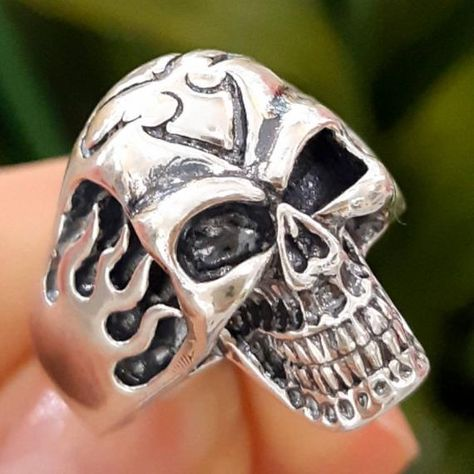 Solid Sterling Silver 925 Skull Ring - Flame Skull Ring - Memento Mori Ring - Skull Ring - Silver Skull Ring #SkullRing #SilverSkullRing #MenRingWithSkull #MementoMoriSkull #JewelsSkullRing #jewelry #giftforhim #giftforher #sinarajewelry #silverjewelry
