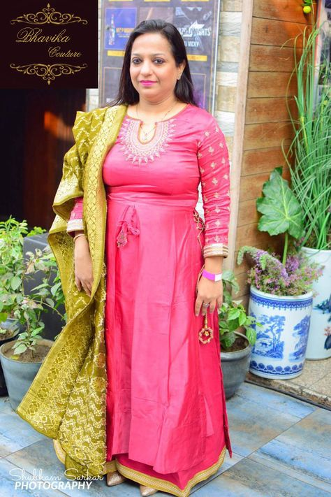 This client being short in height looked fabulous in our long side doried suit specially designed for her…  @BHAVIKA you got a better collection #BHAVIKA #handloom #kota #womenofindia #handwoven #customisedtailoring #freesize #freesize-partygown BY #BHAVIKA  For ORDER/ENQUIRY CALL/WHATS-APP NOW-9818116432