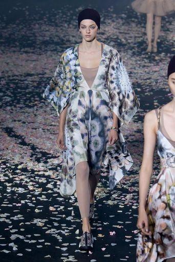 Pin by chu rita on beautiful dresses | Fashion, Christian