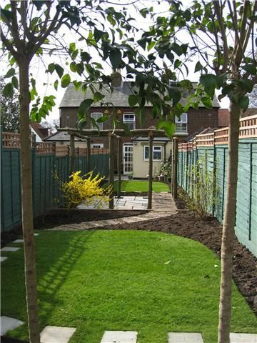 Pin By Conway Landscapes On Paving By Conway Landscapes Small Courtyards Landscape Garden Design