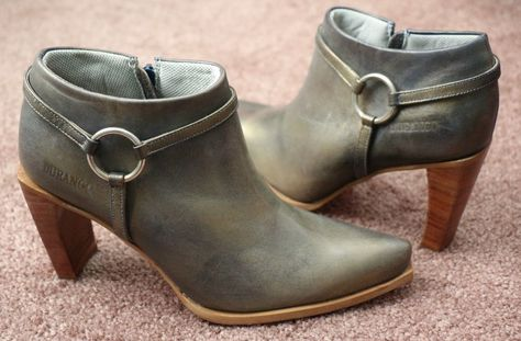 Women's DURANGO Gold Metallic LEATHER Booties Ankle Boots Heels Blue 7 M Brazil…