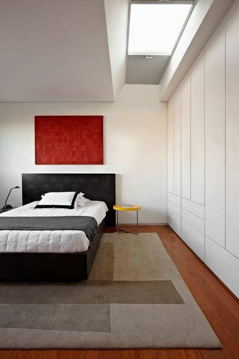 W Tej Minimalistycznej Sypialni Postawiono Na Mocny Akcent