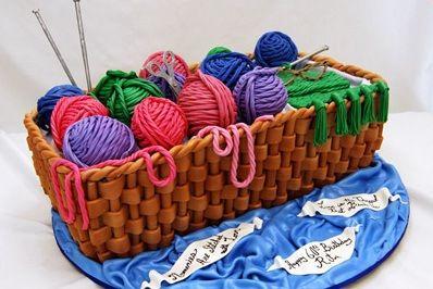 Fuente: http://blog.pinkcakebox.com/surprise-knitting-birthday-cake-2009-02-14.htm