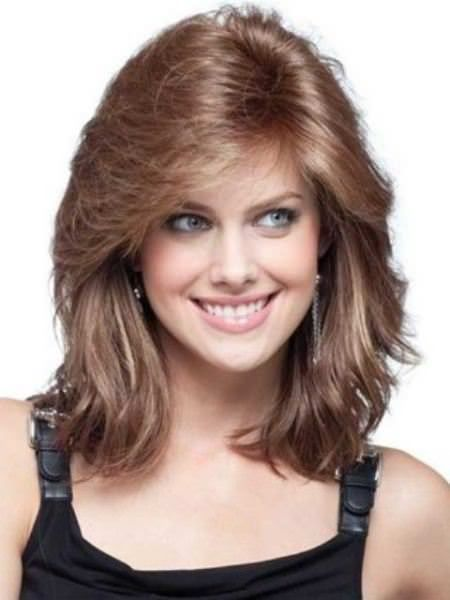 Feathered Haircuts For Round Faces Haircuts For Medium Hair Square Face Hairstyles Hair Styles
