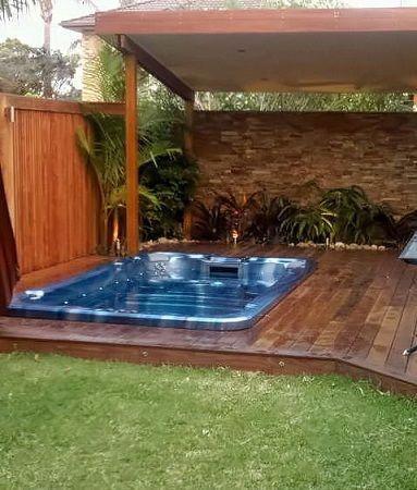 Small Backyard Tropical Oasis Tropical Garden Pool Surround