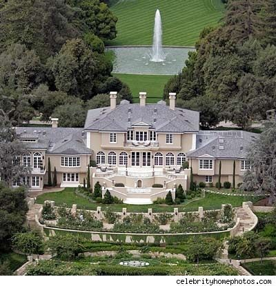 The 25 Biggest And Most Valuable Houses In The World Celebrity Mansions Celebrity Houses Mansions