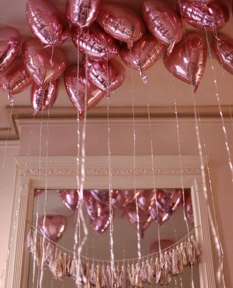 Pink heart balloons on balloons on balloons Marina And The Diamonds, Heart Balloons, Pink Balloons, Foil Balloons, Pastel Cupcakes, All I Ever Wanted, Pink Parties, Rainbow Parties, Everything Pink