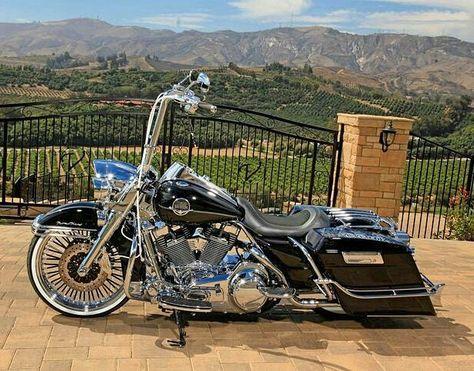 harley davidson road king vance and hines Harley Softail, Harley Bagger, Bagger Motorcycle, Harley Bikes, Motorcycle Style, Harley Davidson Road King, Harley Davidson Trike, Classic Harley Davidson, Harley Davidson Street Glide