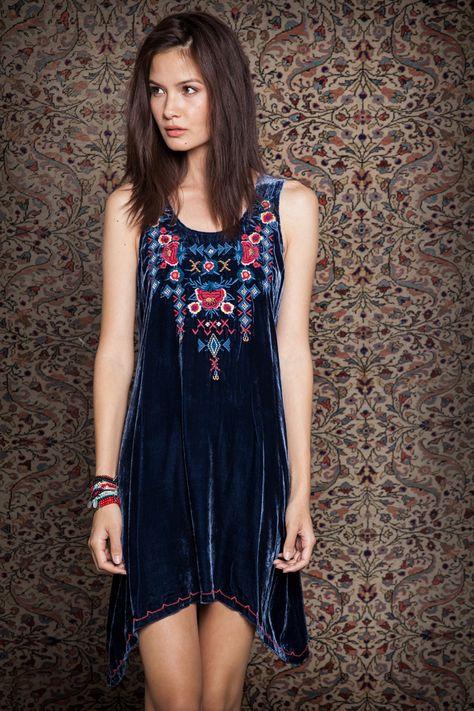 Lush Velvet + Colorful Embroidery / Johnny Was Clothing JWLA Camdyn Velvet Tunic #velvetvoyager #johnnywas