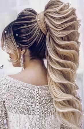32 Stiluri De Coafuri Moderne și Extravagante In 2020 Hair Styles Long Thin Hair Trending Hairstyles