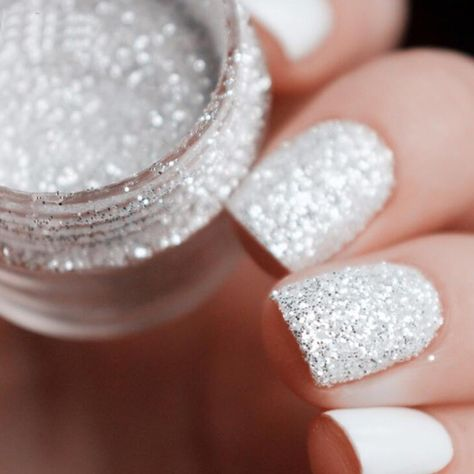 Type: Nail Glitter Powder Sequins Main Color: White Silver Quantity: 6Pcs Net Weight: 10ml/Box Size of the Box: App 2.5cm*2.8cm Size of Glitter Powder Sequins: 3001: Fine powder 3002: 1mm Sequins 3003: 2mm Sequins 3004: 3mm Sequins 3005: Fine Powder+1mm Sequins 3006: 1mm+2mm+3mm Sequins Weight: About 55g Package Included: 6 Boxes/Set X Nail Glitter Powder Sequins