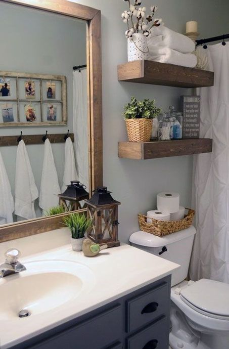 Simple Small Bathroom Decor Brings The Ease Inside Of It Small Bathroom Decor Farmhouse Bathroom Decor Small Bathroom Remodel