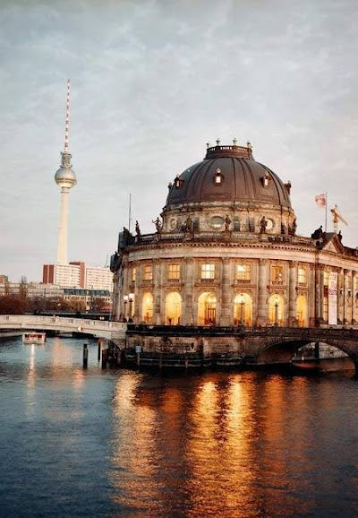 Museumsinsel Berlin This Is Bode Museum With The Tv Tower On Alexanderplatz In The Background Europa Reisen Museum Insel Reisefotos