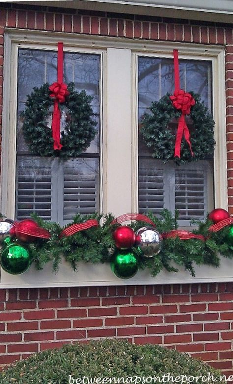 120 Christmas DIY Decorations Easy and Cheap Christmas Window Decorations, Chris… – Outdoor Christmas Lights House Decorations Christmas Window Boxes, Christmas Window Decorations, Noel Christmas, Winter Christmas, Christmas Projects, Outdoor Decorations, Elegant Christmas, Outdoor Ideas, Christmas Ideas
