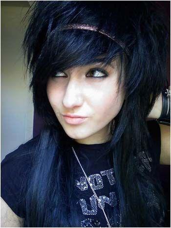 10 Popular Emo Hairstyles To Inspire You Medium Scene Hair Emo Girl Hairstyles Scene Hair