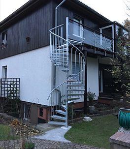 Aussentreppe Fur Den Balkon Zum Garten Wendeltreppe Aussen Aussentreppe Wendeltreppe