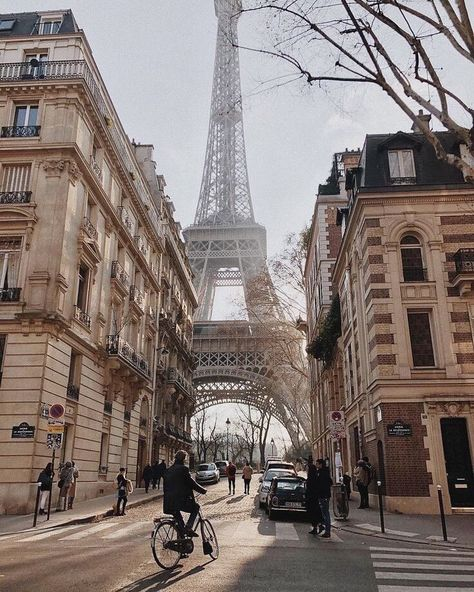 City Aesthetic, Travel Aesthetic, Aesthetic Vintage, Aesthetic Green, Aesthetic Fashion, Places To Travel, Places To Visit, Travel Destinations, Travel Tips