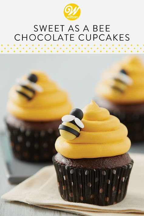 Fun for a birthday party or baby shower, these Sweet as a Bee Chocolate Cupcakes are sure to create a buzz! Use our simple fondant technique for making your own buzzing bumble bees, then use them to top your favorite chocolate cupcakes for a sweet trea Cookie Recipes, Dessert Recipes, Summer Cupcake Recipes, Easter Recipes, Baking Recipes, Free Recipes, Cupcakes Decorados, Wilton Cake Decorating, Easy Cupcake Decorating