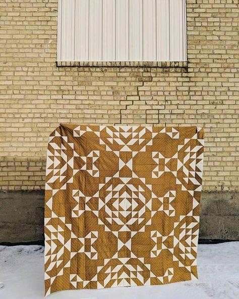 Patchwork Quilt Patterns, Modern Quilt Patterns, Triangle Quilt Pattern, Vintage Quilts Patterns, Traditional Quilt Patterns, Modern Quilting Designs, Lace Patterns, Stitch Patterns, Two Color Quilts